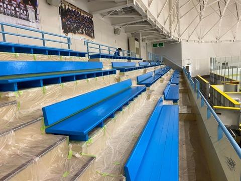 4 hokkaidou  北海道 苫小牧市 アイスリンク アイスアリーナ ベンチ塗装 苫小牧市塗装業者 外壁塗装 屋根塗装 苫小牧市ペンキ屋さん